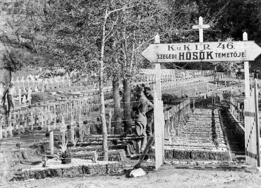 fortepan 24456: 1917 - szegedi 46 ezred hősi temetője